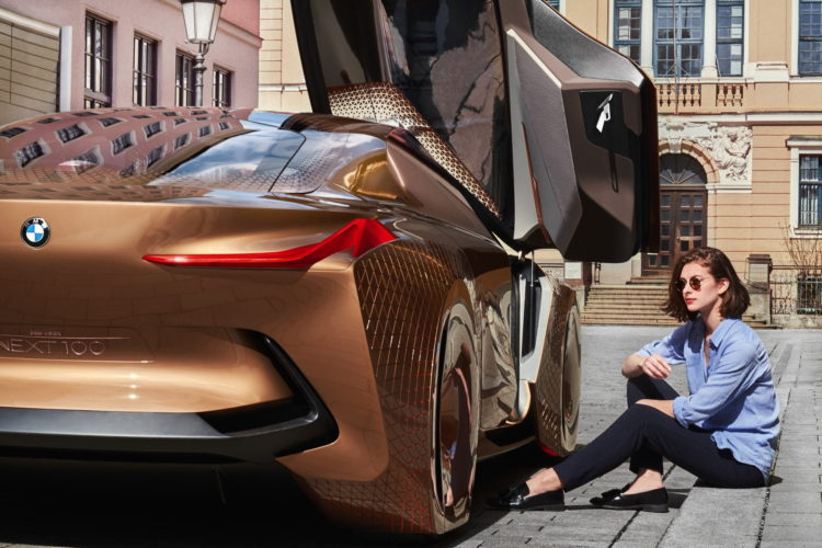 BMW-Vision-Next-100-images-147-750x500