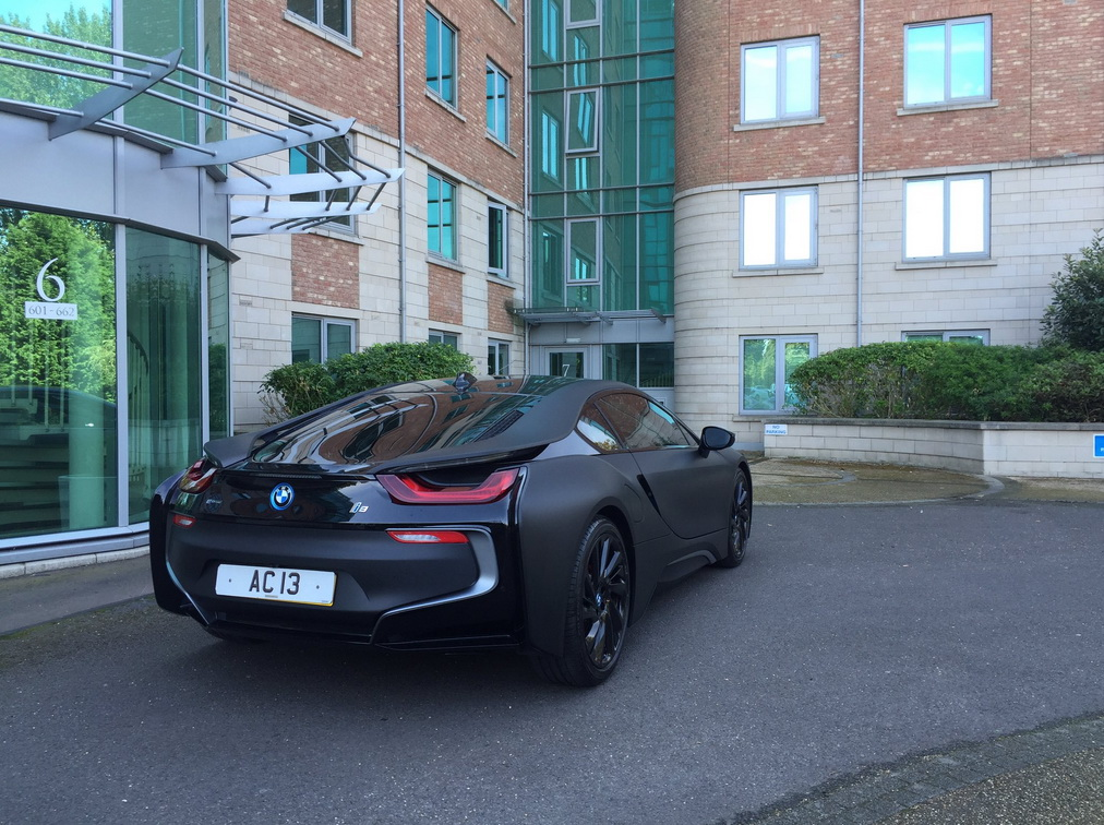 leicester-city-wrapping-bmw-i8-8
