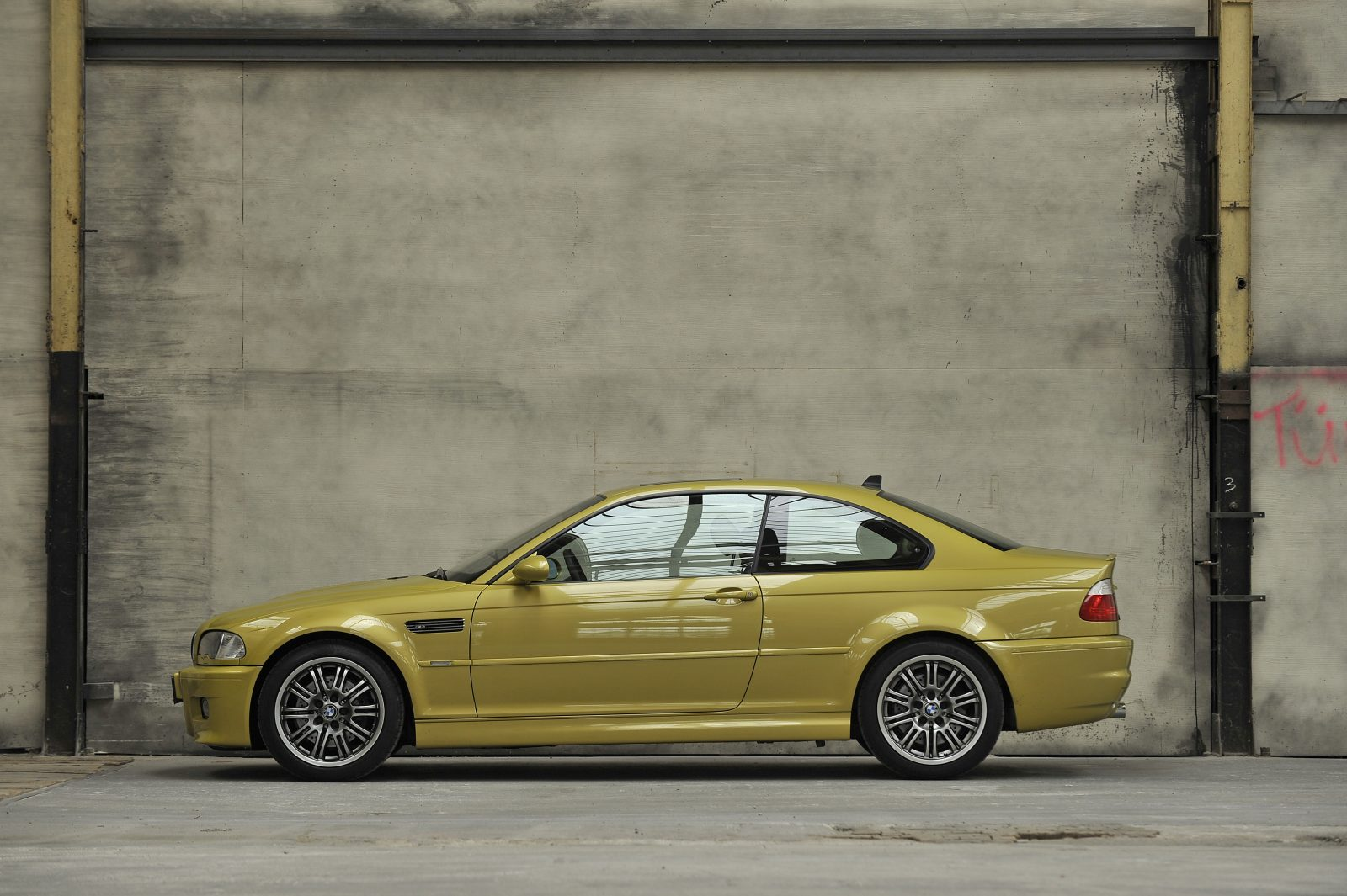 e46-coupe-side