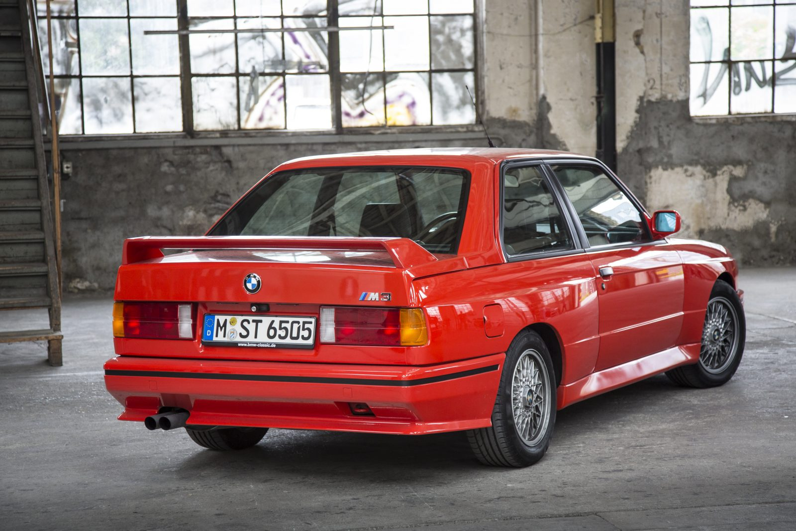 red-e30-coupe-rear