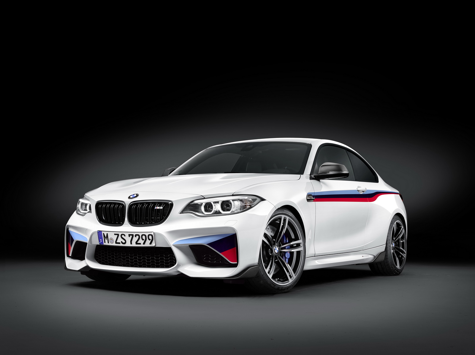 p90207893_highres_the-new-bmw-m2