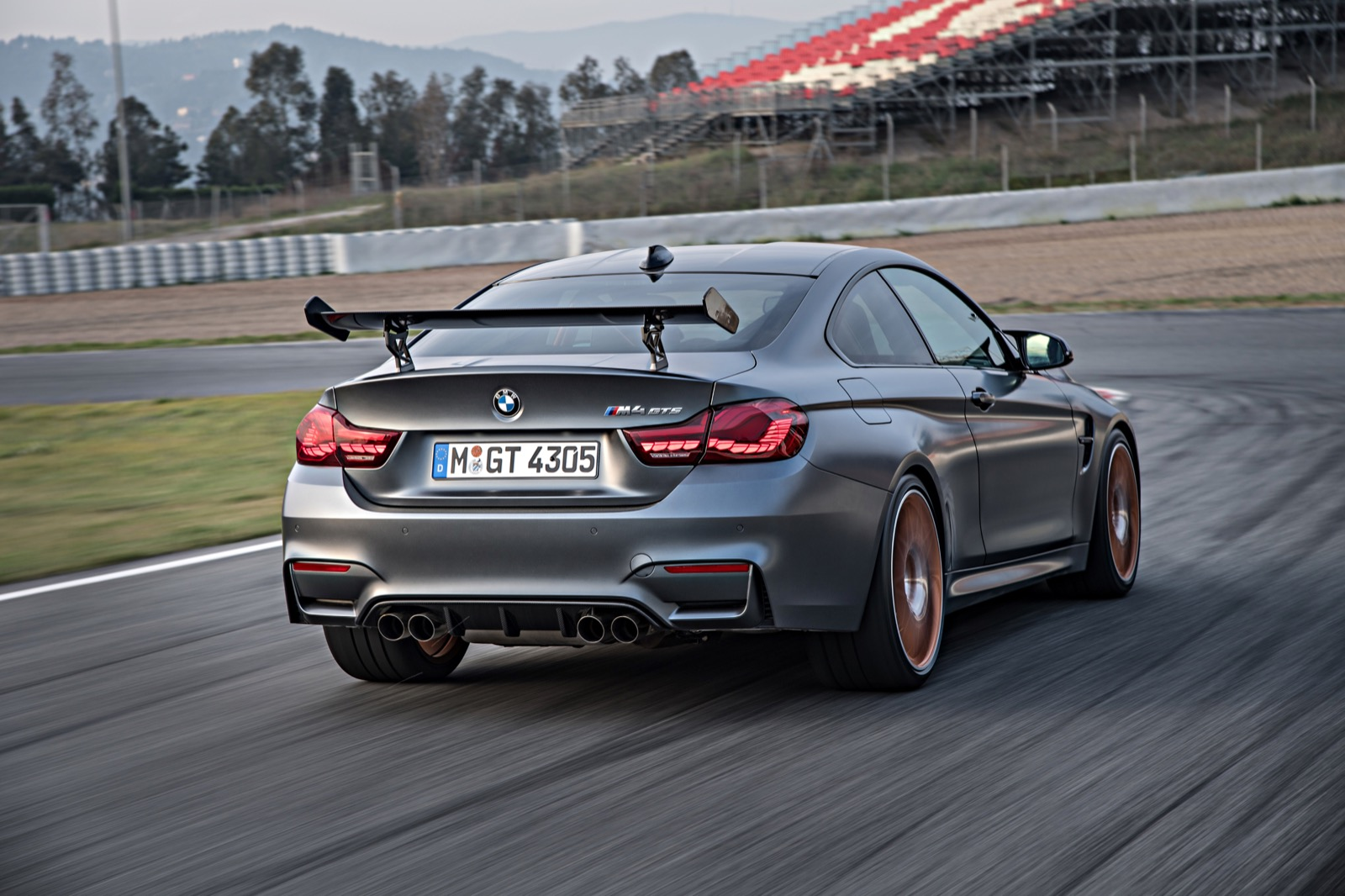 p90215460_highres_the-new-bmw-m4-gts-0