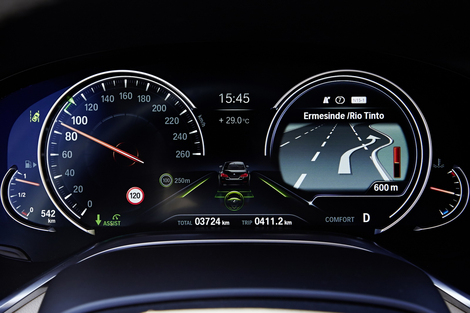 BMW อาจพิจารณาเปลี่ยนหน้าปัดรถยนต์เป็นหน้าจอดิจิทัลทั้งหมด