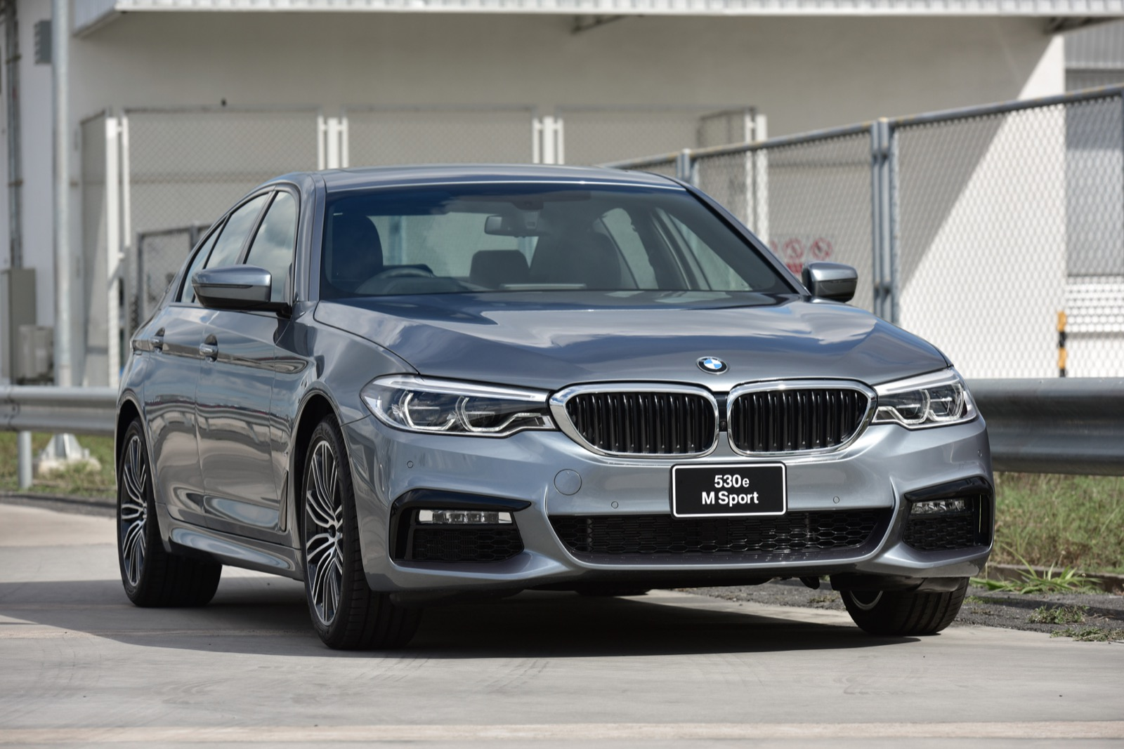5 bmw 530e for M and m motors