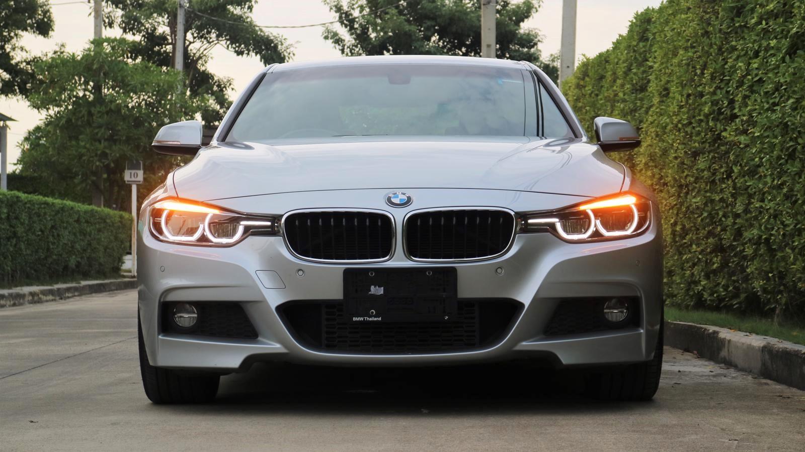 รีวิว BMW 320d M Sport (F30) ดาวป็อปสุดหล่อขวัญใจตลอดกาล